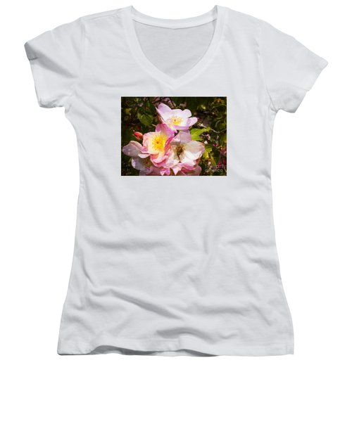 Shakespeares Summer Roses Women's V-Neck