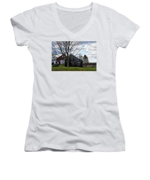 Shaw Hill Farm Women's V-Neck T-Shirt