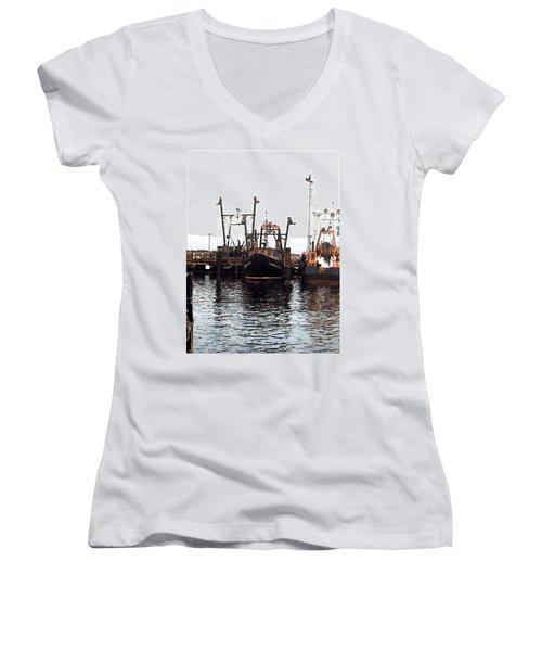 Women's V-Neck T-Shirt (Junior Cut) featuring the digital art Shinnecock Painting by  Newwwman