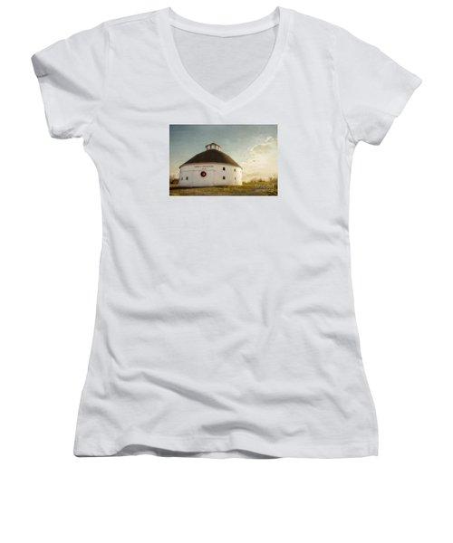 Singleton Round Barn Women's V-Neck T-Shirt