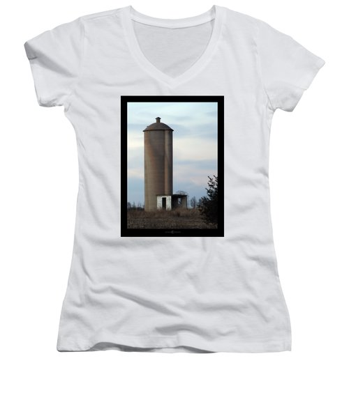 Solo Silo Women's V-Neck