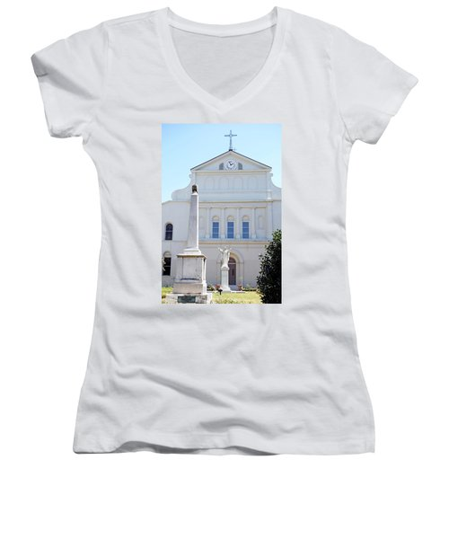 St. Louis Cathedral Back Lawn Women's V-Neck T-Shirt