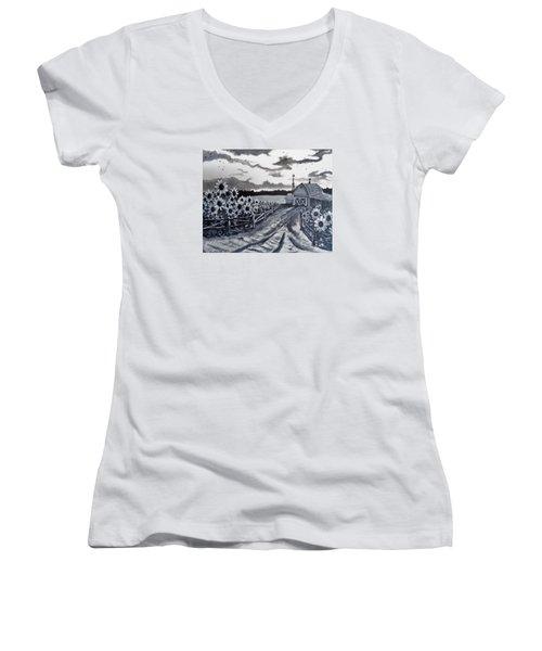 Sunflower Farm Women's V-Neck T-Shirt