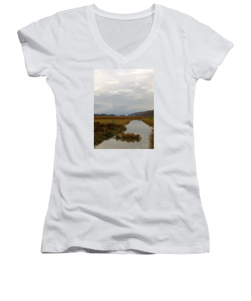 Sunless Rainbow Women's V-Neck (Athletic Fit)
