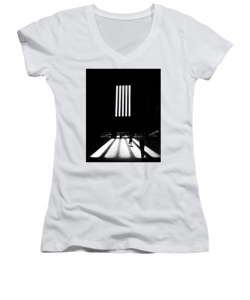 Tate Modern Women's V-Neck T-Shirt