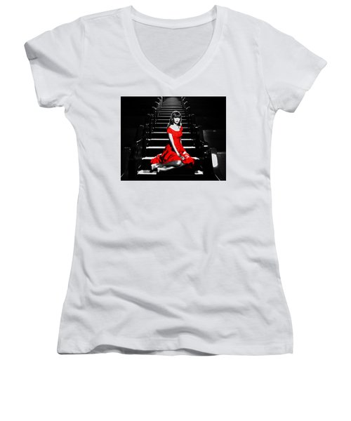 Taylor Swift 8c Women's V-Neck T-Shirt (Junior Cut) by Brian Reaves