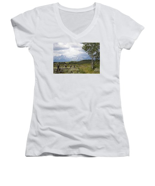 Teton Ranch Women's V-Neck