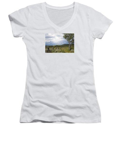 Teton Ranch Women's V-Neck