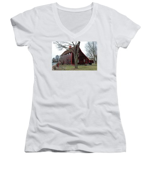 The Deane Winthrop House Women's V-Neck