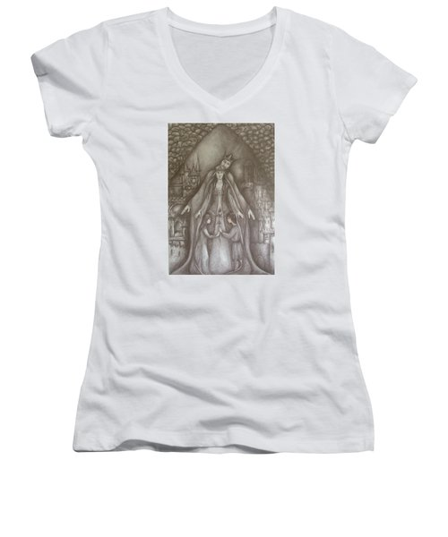 Royal Family Women's V-Neck T-Shirt (Junior Cut) by Rita Fetisov