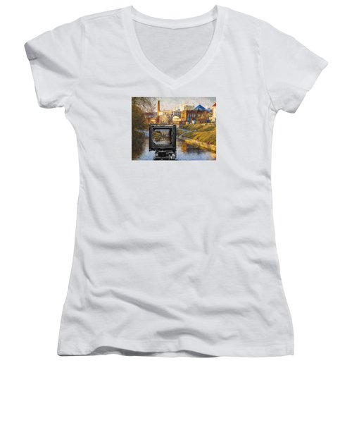 The Photographer's Way Of Seeng Women's V-Neck T-Shirt (Junior Cut)