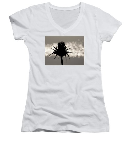 Thistle Silhouette - 365-11 Women's V-Neck T-Shirt (Junior Cut) by Inge Riis McDonald