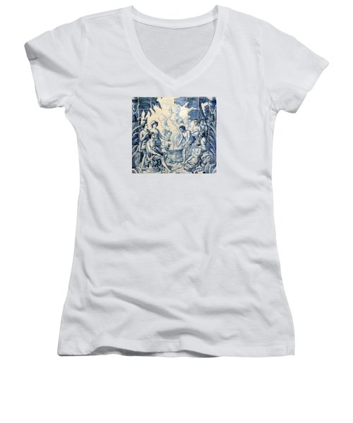 Tile Art Women's V-Neck T-Shirt