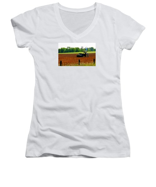 Tobacco Planting Women's V-Neck