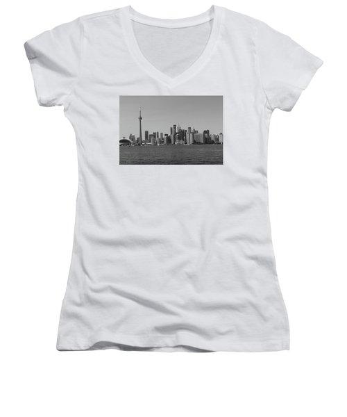 Toronto Cistyscape Bw Women's V-Neck