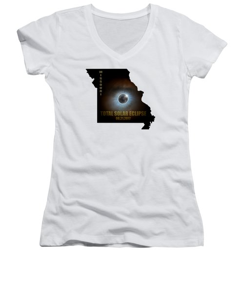 Total Solar Eclipse In Missouri Map Outline Women's V-Neck (Athletic Fit)