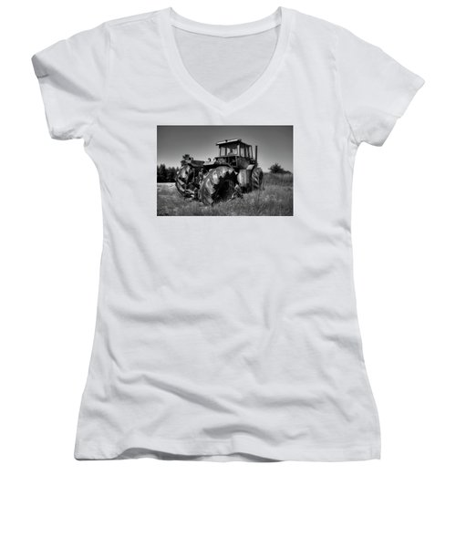Tractor In The Countryside Women's V-Neck (Athletic Fit)