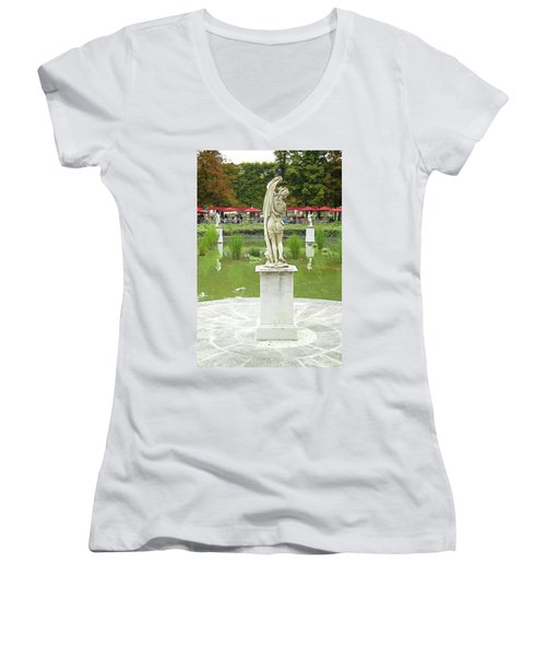 Tuileries Trollop Women's V-Neck T-Shirt