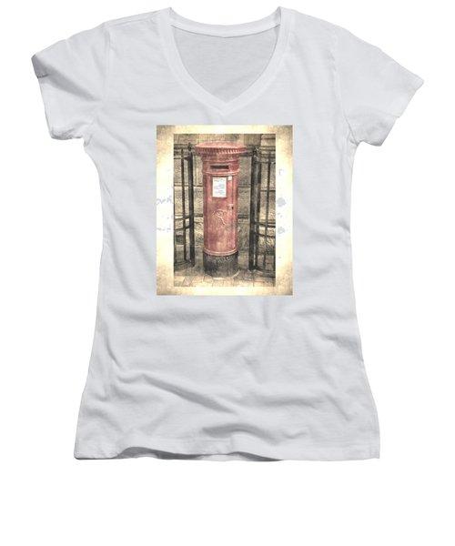 Victorian Red Post Box Women's V-Neck