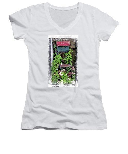Vintage Bird House Women's V-Neck T-Shirt