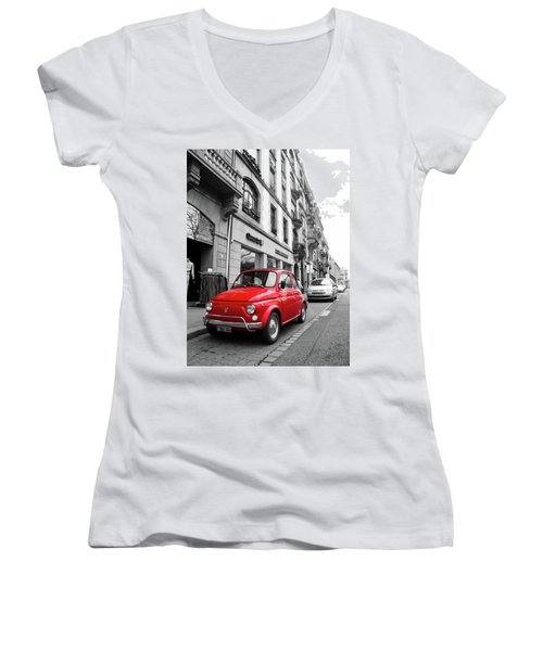 Voiture Rouge Women's V-Neck T-Shirt