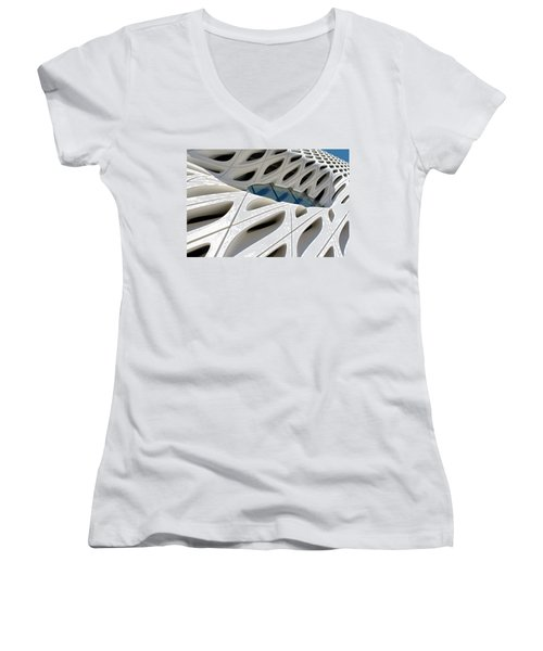 Women's V-Neck featuring the photograph Window Pool At The Broad by Lorraine Devon Wilke
