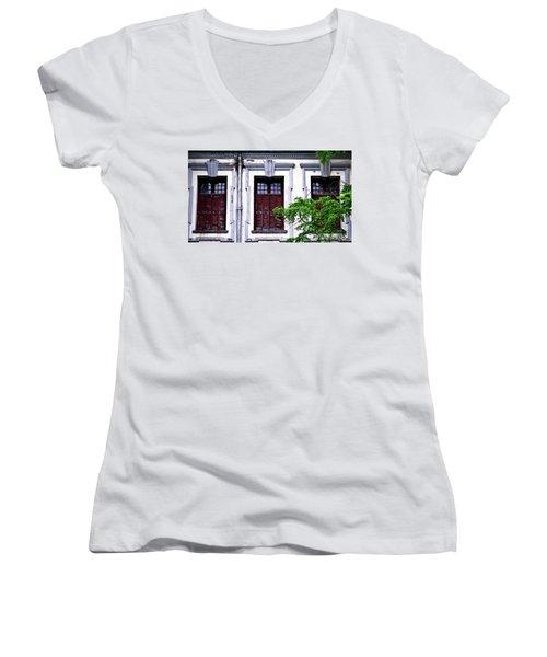 Windows Women's V-Neck