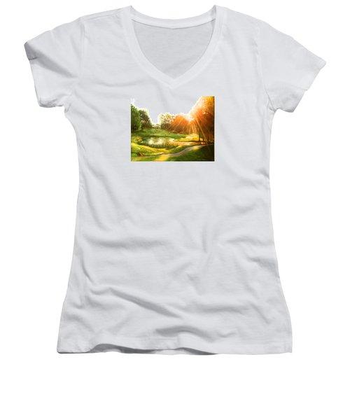 Windstone 13th Green Women's V-Neck T-Shirt (Junior Cut) by Janet McGrath