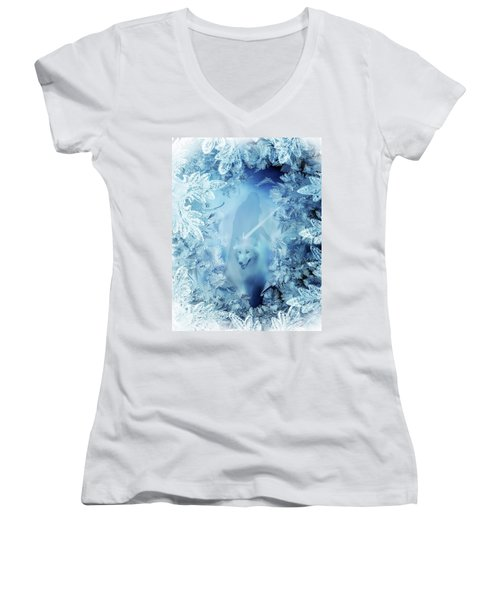 Winter Is Here - Jon Snow And Ghost - Game Of Thrones Women's V-Neck T-Shirt