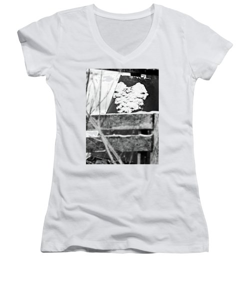 Winter Snow Heart Women's V-Neck T-Shirt (Junior Cut)