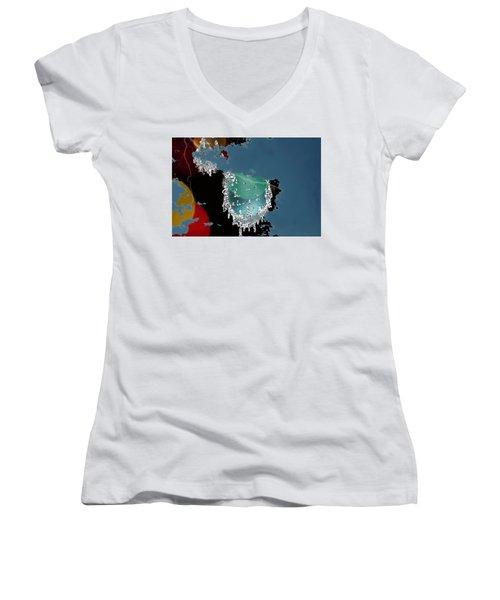 World Where Are You Women's V-Neck T-Shirt