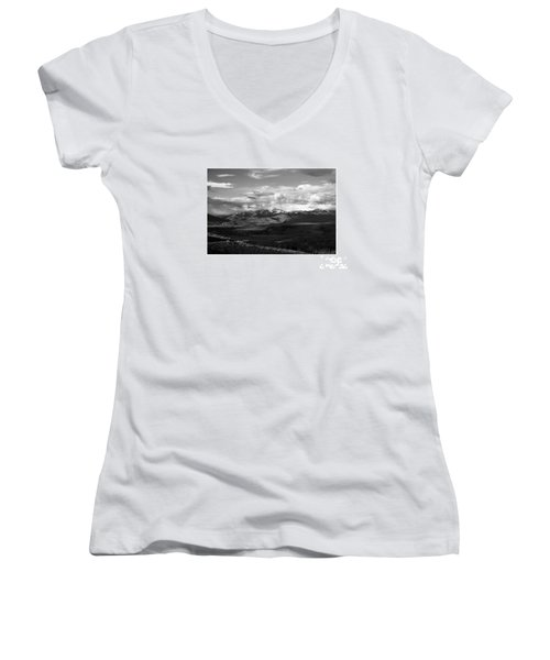 Yellowstone National Park Scenic Women's V-Neck (Athletic Fit)