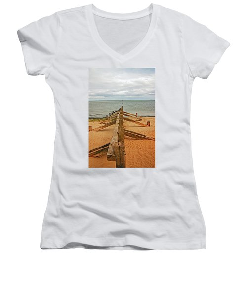 19/08/13 Edinburgh, Poetobello. The Shore And Groynes. Women's V-Neck