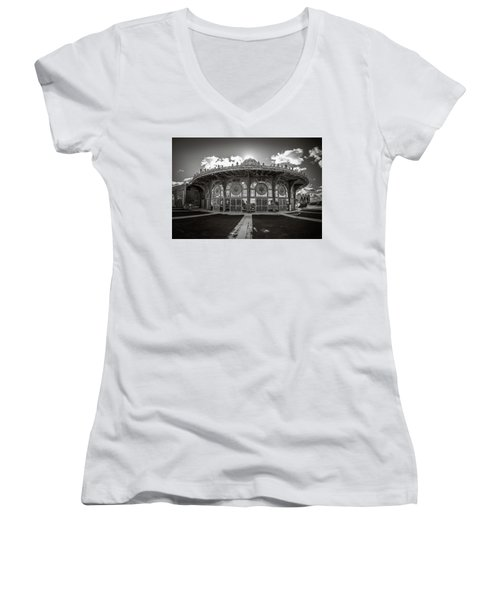 Women's V-Neck featuring the photograph Carousel House by Steve Stanger