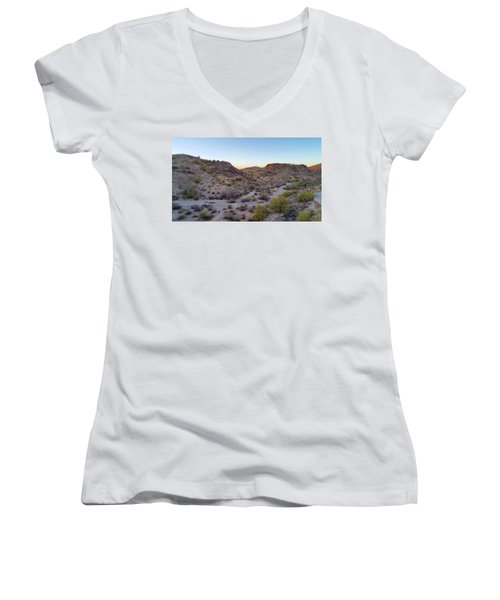 Desert Canyon Women's V-Neck