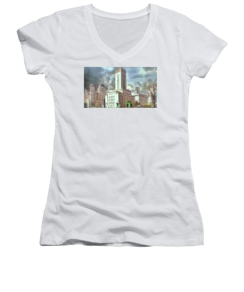 Women's V-Neck featuring the photograph Full Of Grace by Leigh Kemp