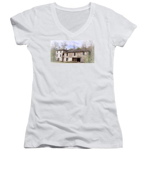 Old Abandoned House In Fluvanna County Virginia Women's V-Neck