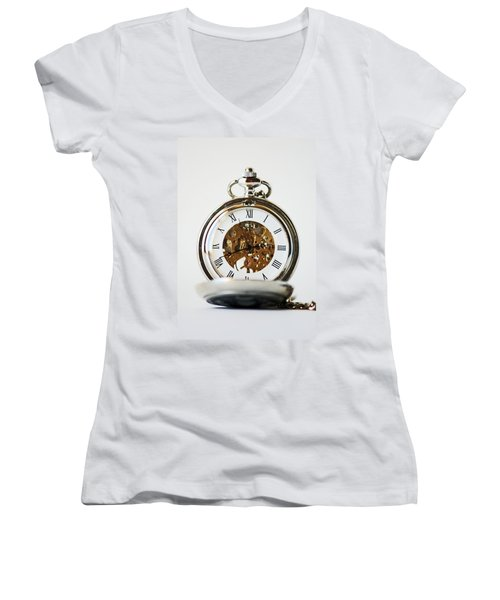 Studio. Pocketwatch. Women's V-Neck