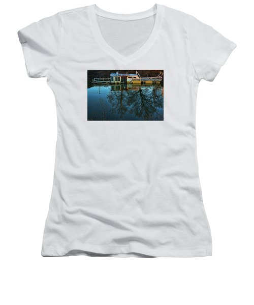 Sunken Women's V-Neck