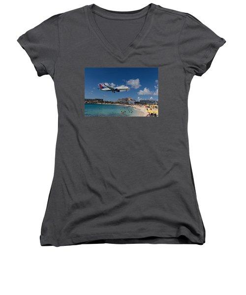 Delta Air Lines Landing At St Maarten Women's V-Neck T-Shirt (Junior Cut) by David Gleeson