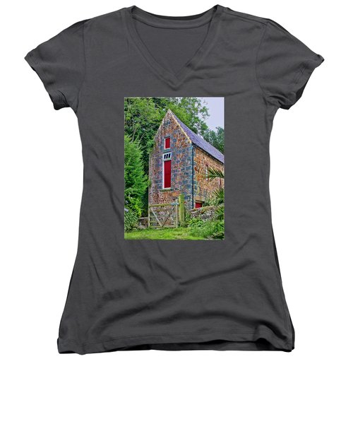 Guernsey Barn Women's V-Neck