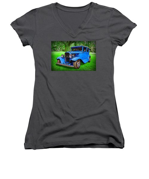 1930 Ford Women's V-Neck