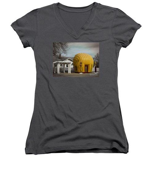 1930 Shell Station Women's V-Neck T-Shirt