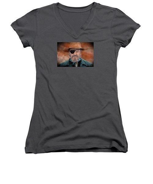 Jeff Bridges As U.s. Marshal Rooster Cogburn In True Grit  Women's V-Neck T-Shirt (Junior Cut) by Jim Fitzpatrick