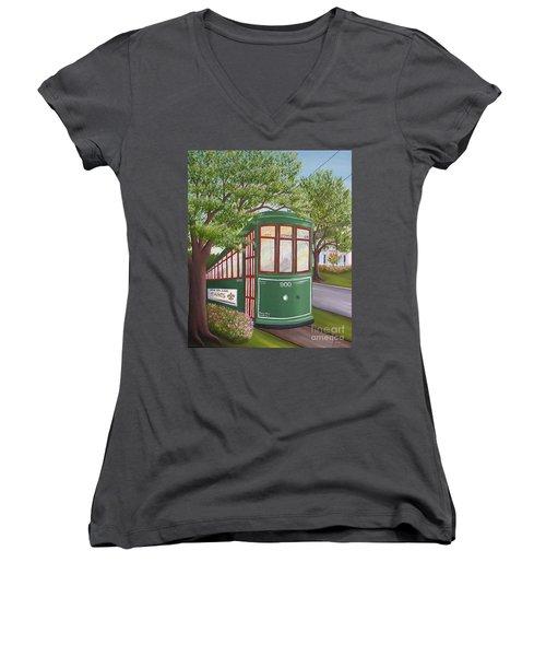 900 On The Avenue Women's V-Neck T-Shirt