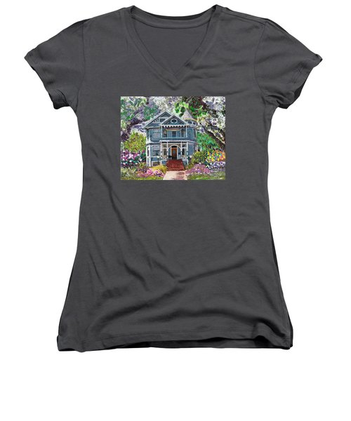 Alameda 1890 Queen Anne Women's V-Neck T-Shirt