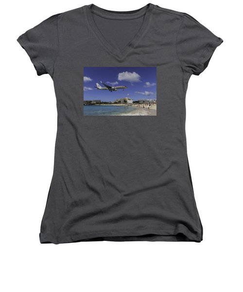 American Airlines At St. Maarten Women's V-Neck (Athletic Fit)