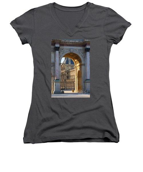 Arc De Triomphe Du Carrousel Women's V-Neck T-Shirt