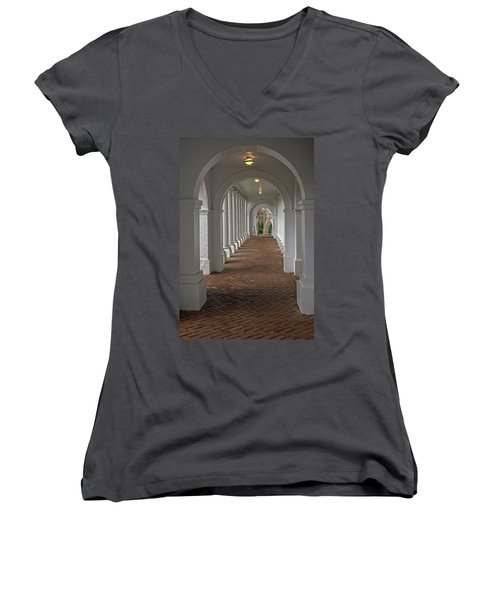 Arches At The Rotunda At University Of Va Women's V-Neck T-Shirt