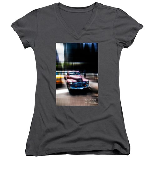 attracting curves III2 Women's V-Neck T-Shirt